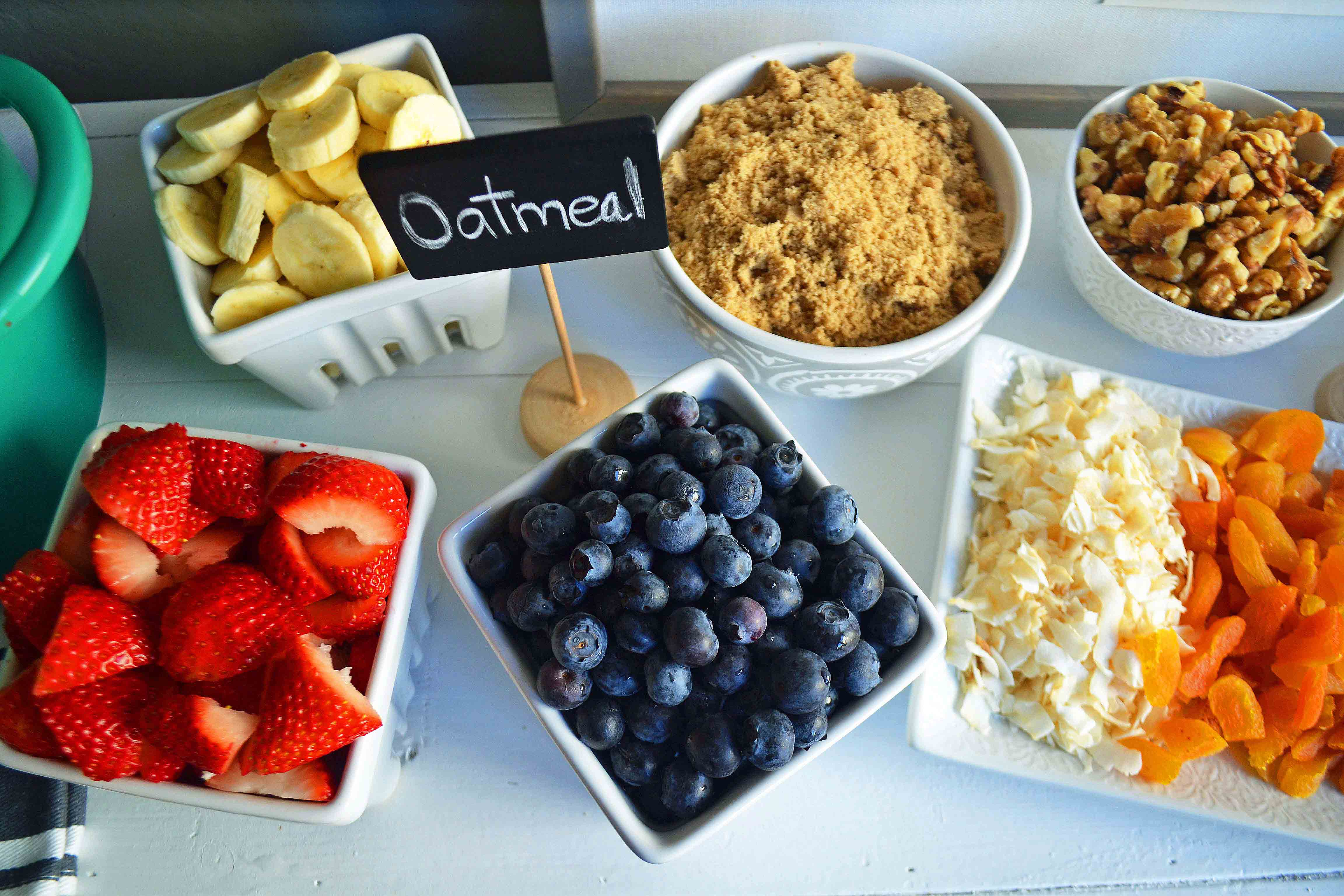 The Oatmeal Love Toppings Bar by Modern Honey creates an ultimate oatmeal experience for your next brunch. www.modernhoney.com