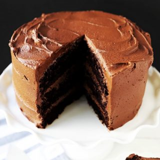 The Best Chocolate Cake Recipe. How to make the perfect homemade chocolate cake. www.modernhoney.com #chocolate #chocolatecake #homemadecake #chocolatecakerecipe #homemade