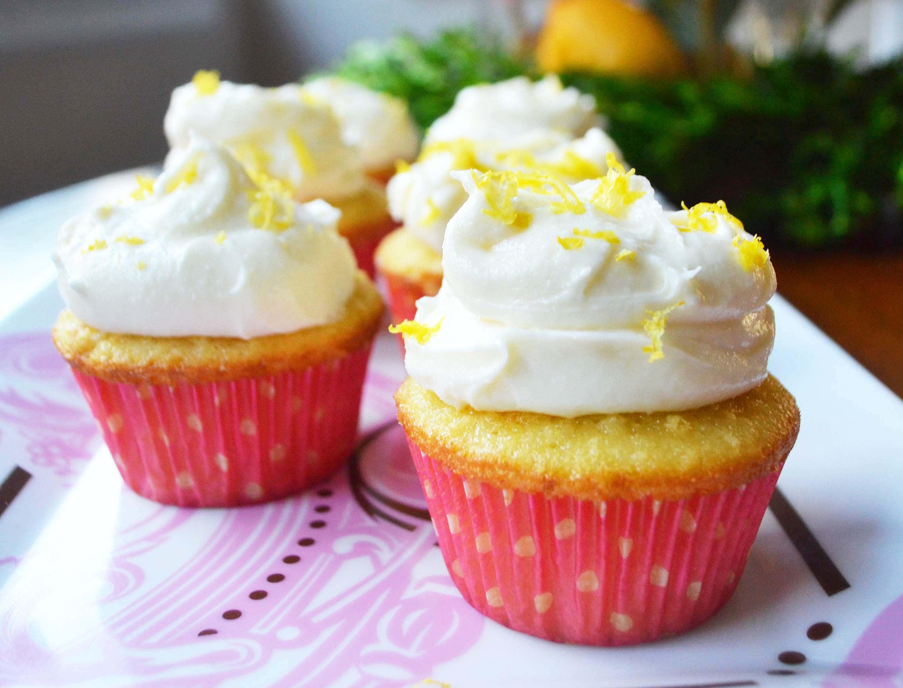 Italian Lemon Cupcakes with Sweet Ricotta Cream by Modern Honey - www.modernhoney.com