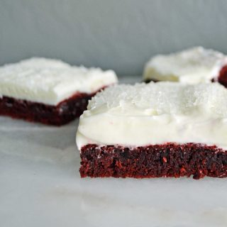 Red Velvet Sugar Cookie Bars by Modern Honey l www.modernhoney.com