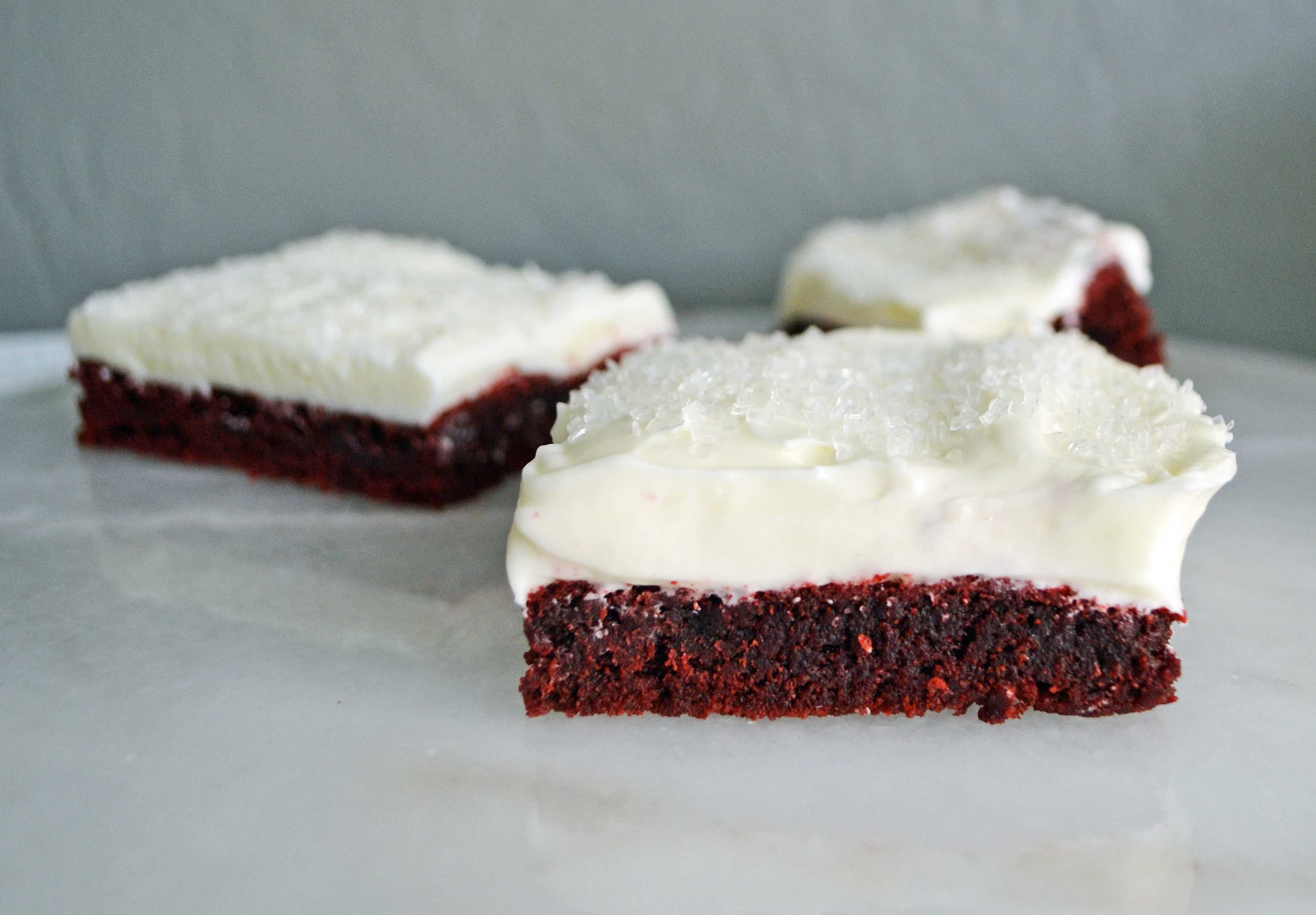 Red Velvet Sugar Cookie Bars by Modern Honey l www.modernhoney.com