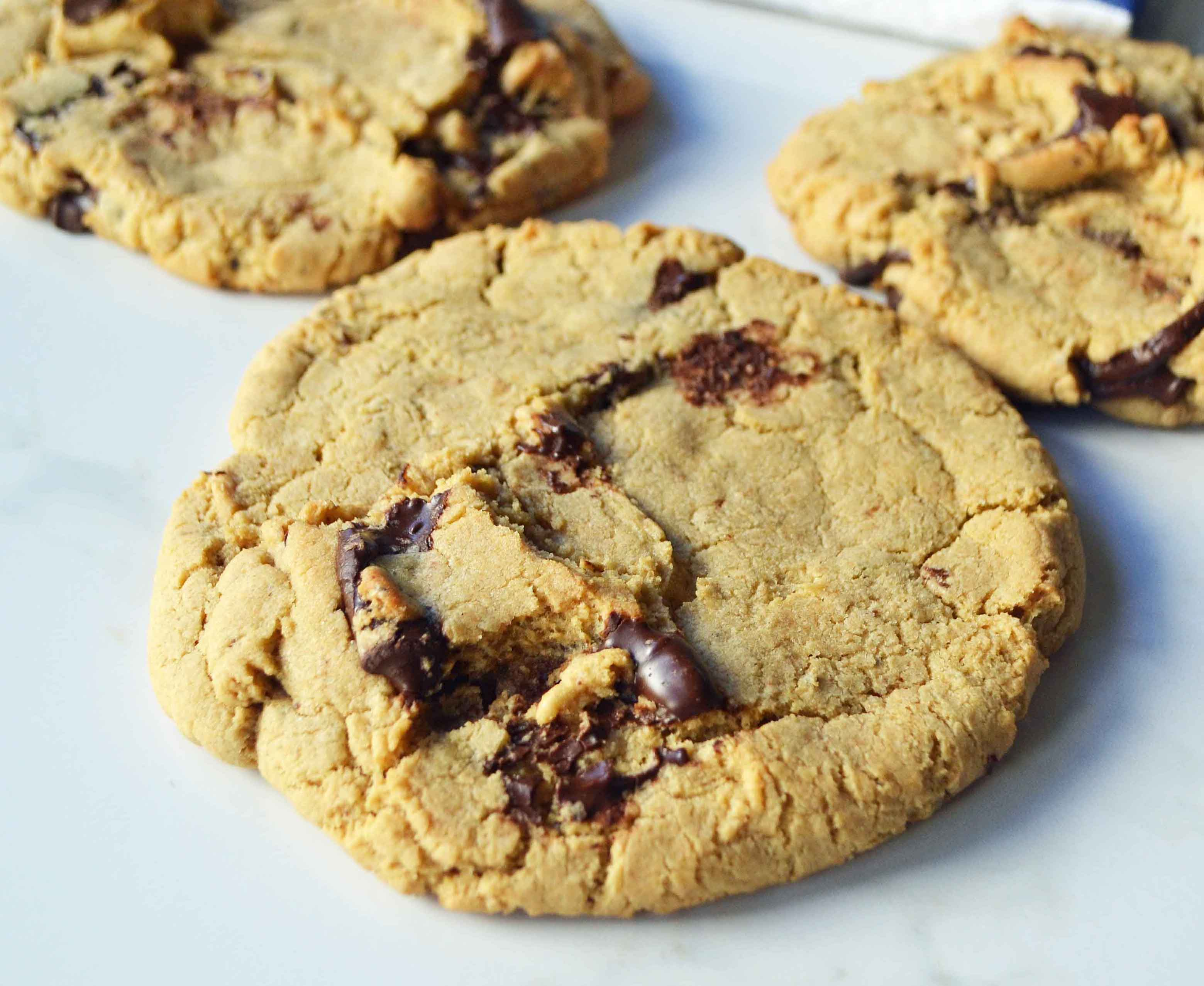 Lenny and Larry's Protein Cookie Copycat by Modern Honey l www.modernhoney.com l 16 grams of protein per cookie