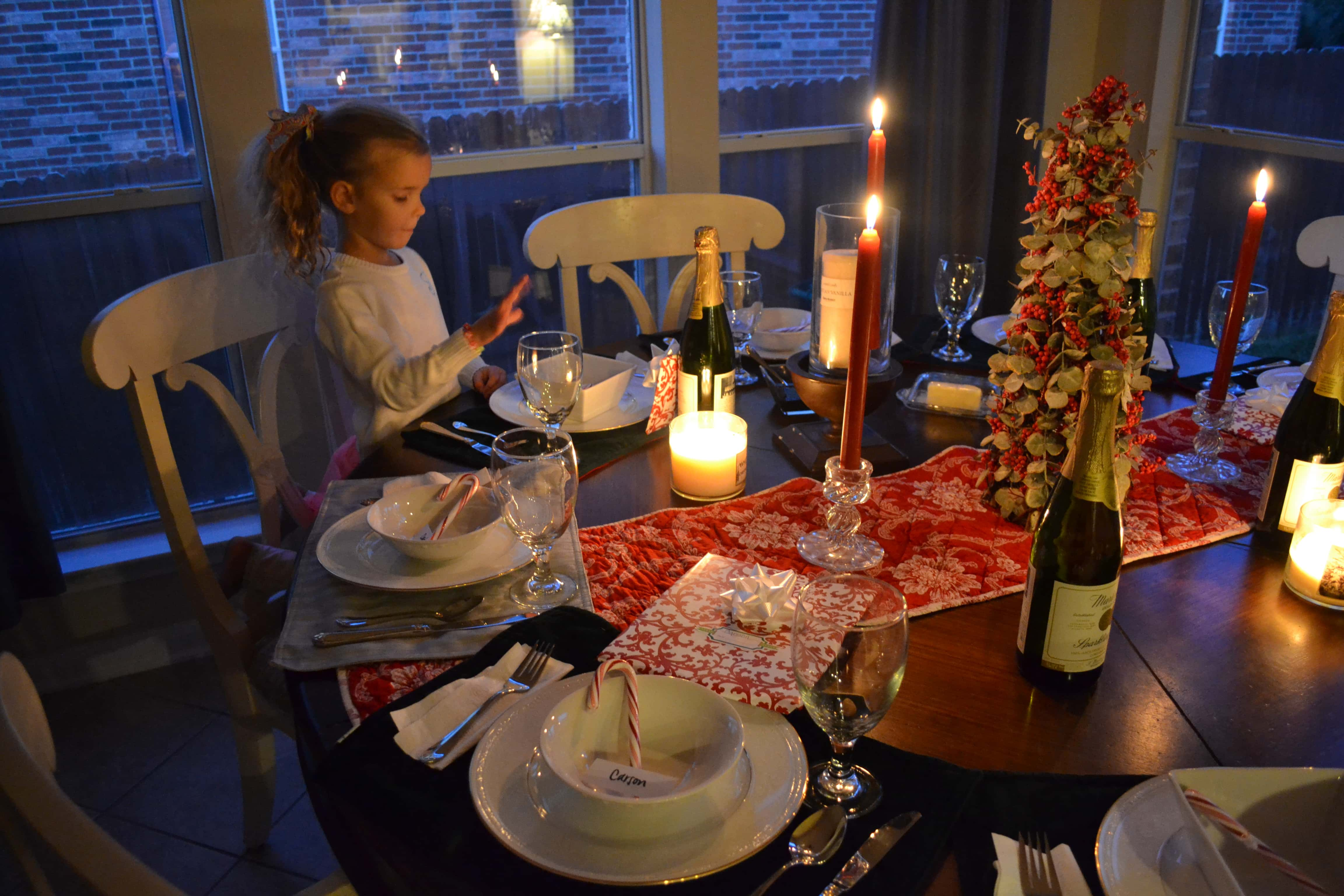 Christmas Bucket List. 10 Ways to Feel the Christmas Spirit by Modern Honey. Christmas Eve Dinner.