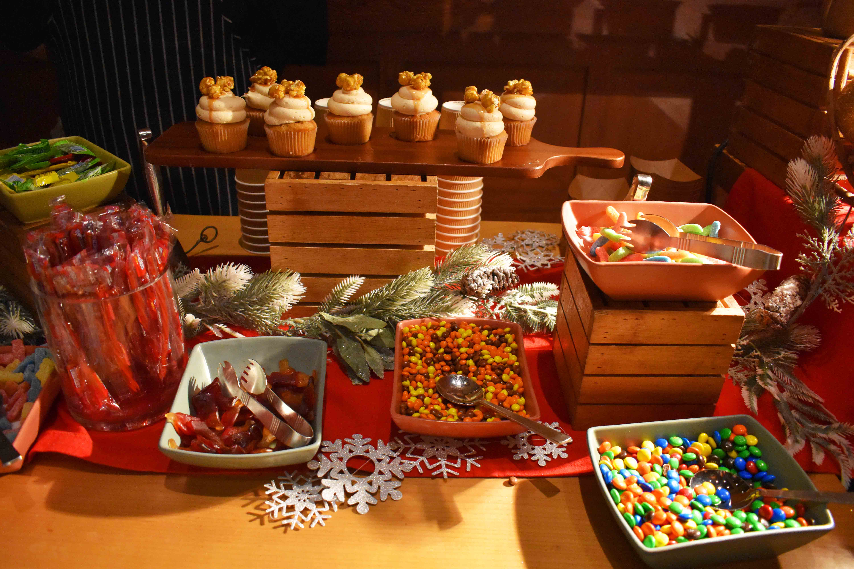 Arizona Four Seasons Christms + Homemade Hot Chocolate. Festive Flicks Christmas at Four Seasons Scottsdale Troon North.