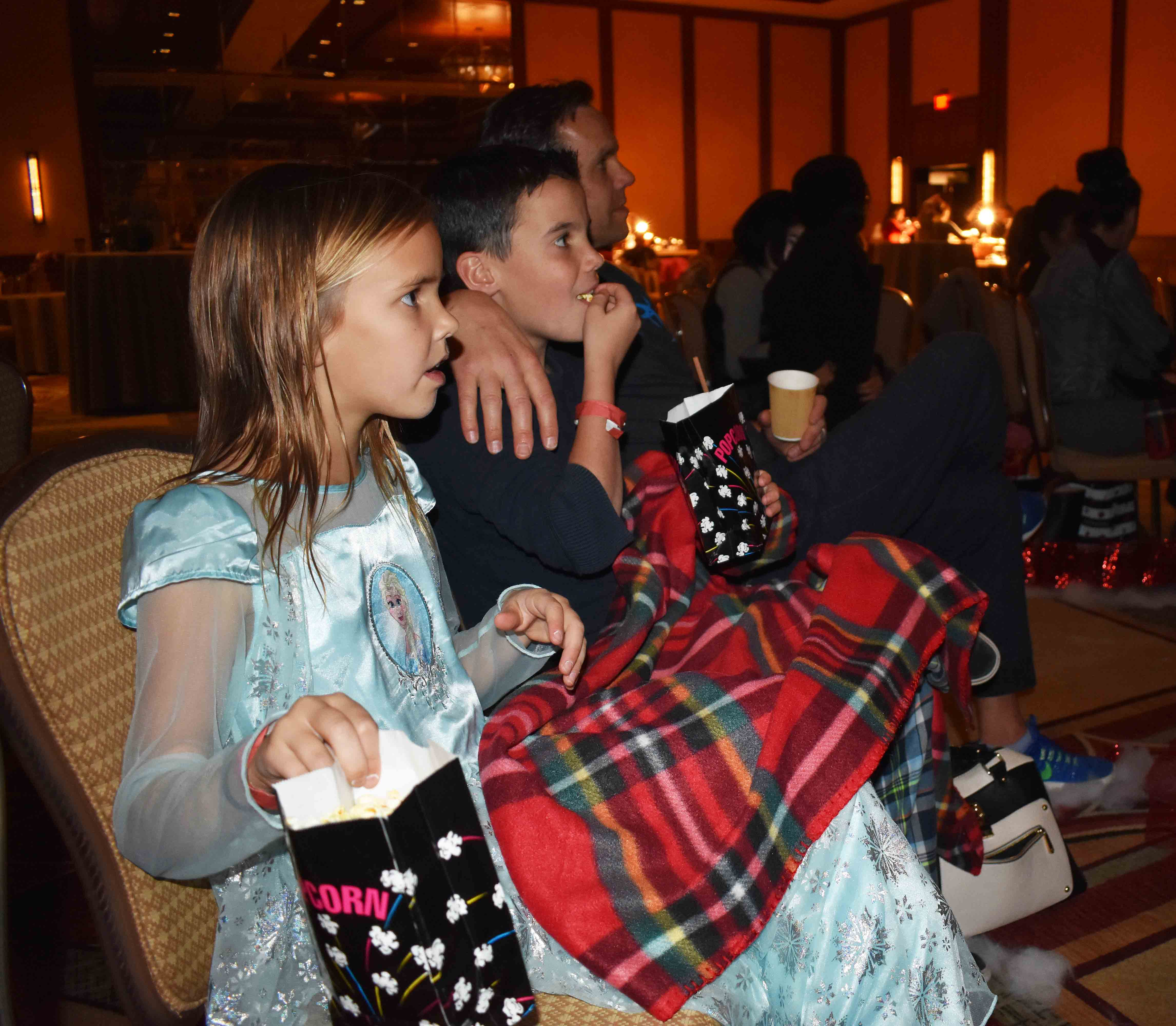 Arizona Four Seasons Christms + Homemade Hot Chocolate. Festive Flicks Christmas at Four Seasons Scottsdale Troon North.