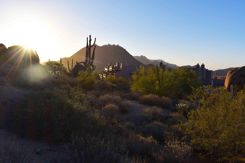 Arizona Four Seasons Christmas and Homemade Hot Chocolate. Sunrise hike at Four Seasons Scottsdale Troon North.