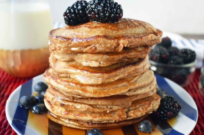 Healthy Banana Oatmeal Pancakes by Modern Honey. No sugar, No oil, Gluten-free, Dairy-free pancakes. Made with only 7 ingredients.