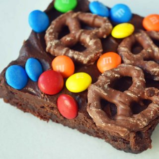 Super Bowl Chocolate Covered Pretzel Brownies