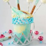Princess Cinderella FreakShake. Perfect for Disney lovers or for a Princess Party. www.modernhoney.com