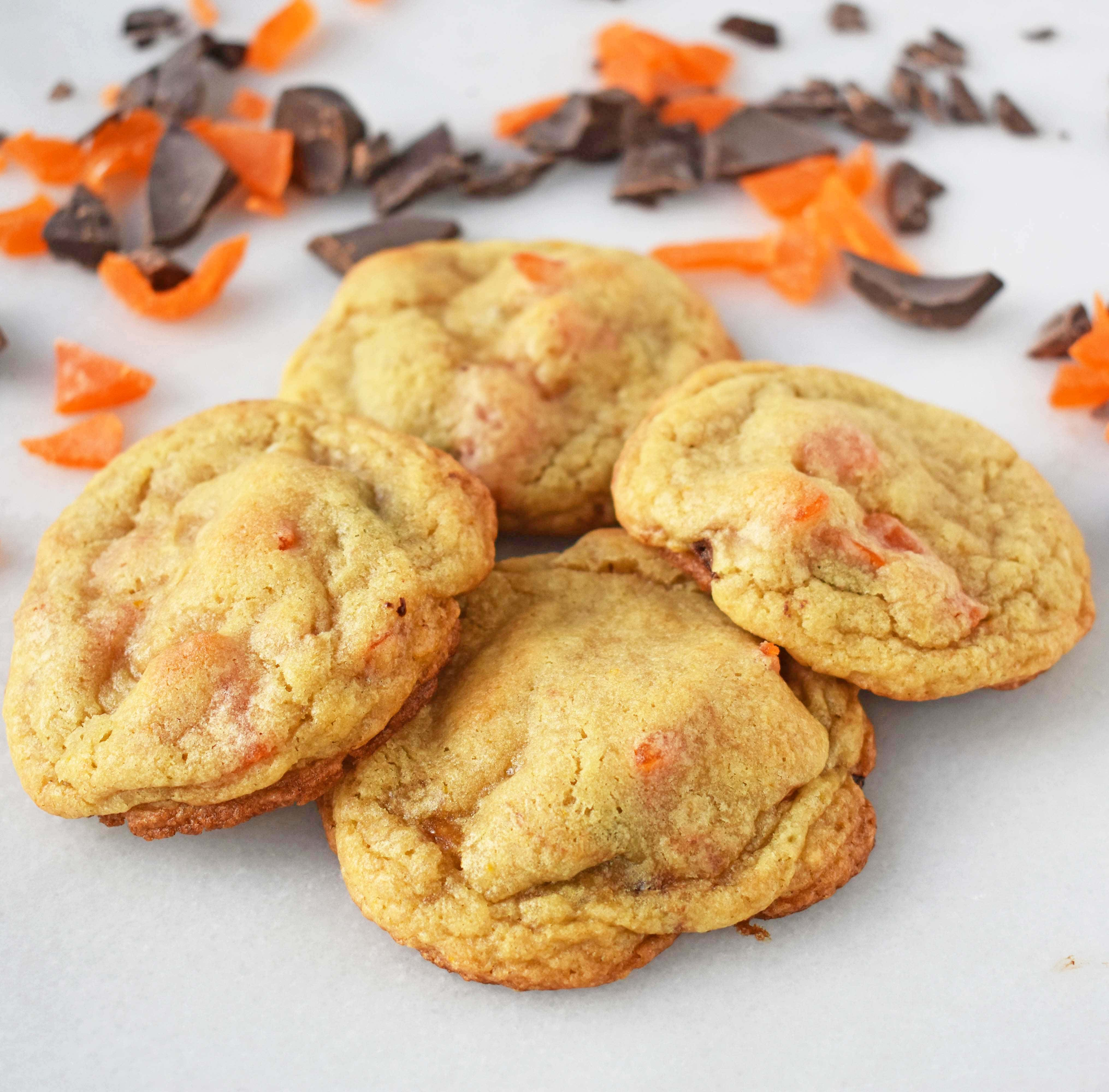 RubySnap Vivianna Dark Chocolate Mango Cookies by Modern Honey. Citrus dough cookies studded with dark chocolate and mango. A highly addicting cookie from this popular bakery. www.modernhoney.com