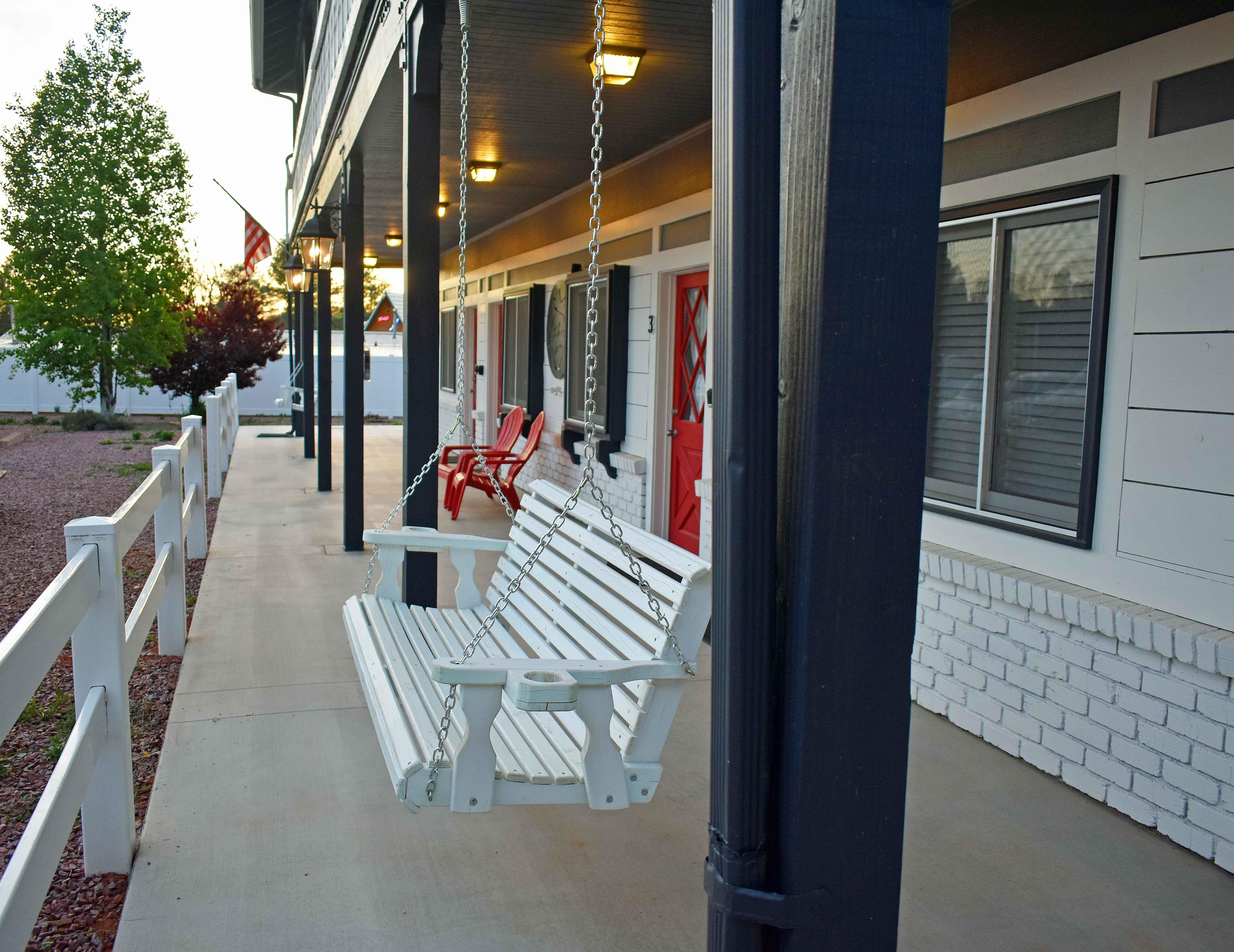 The Strawberry Inn Swing. Weekend in Strawberry Arizona