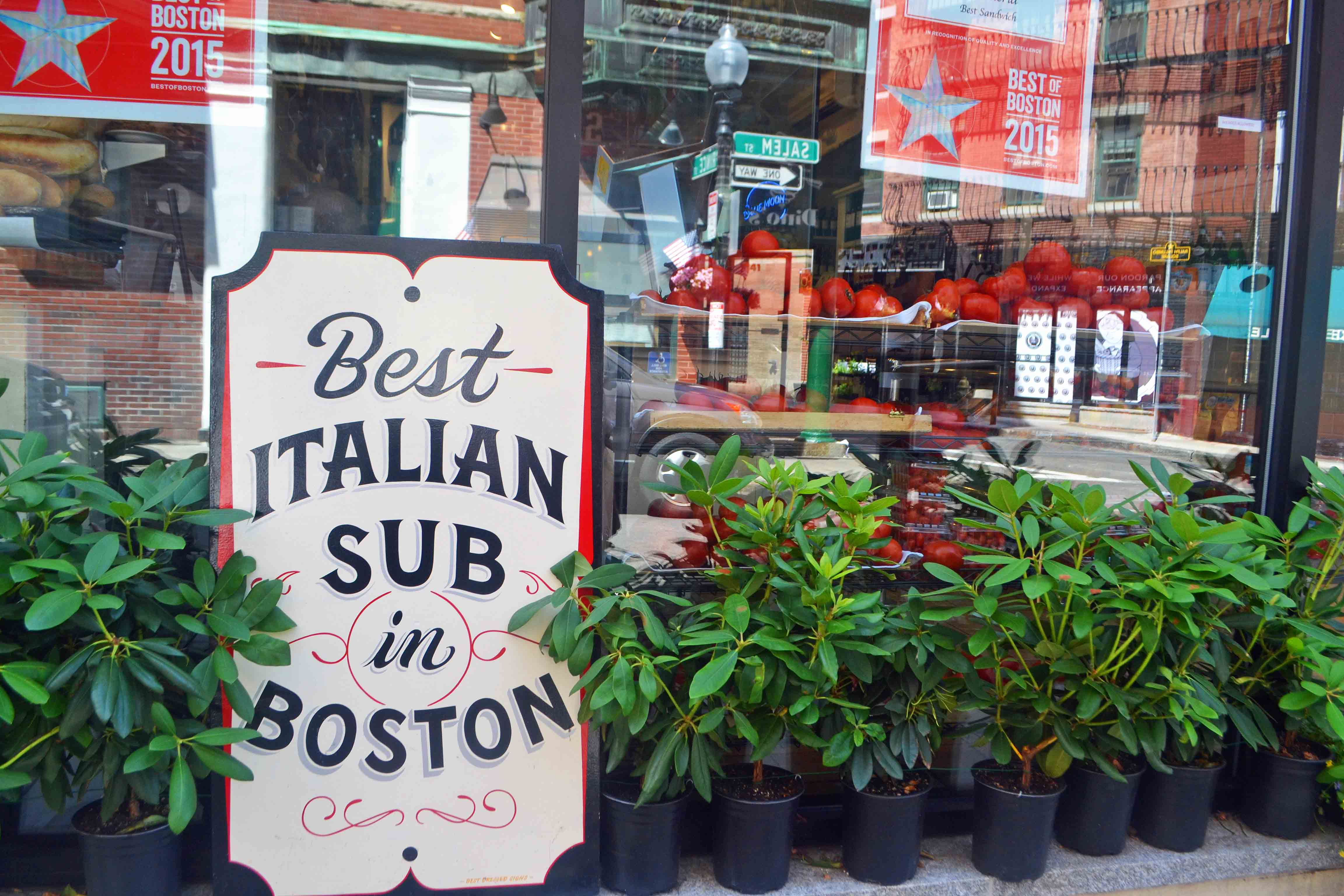 Best Italian Subs in Boston. Best Places to Eat and See in Boston. A list of the best things to do and best places to eat while traveling to Boston. Weather in Boston, transportation in Boston, and entertainment and food in Boston. www.modernhoney.com