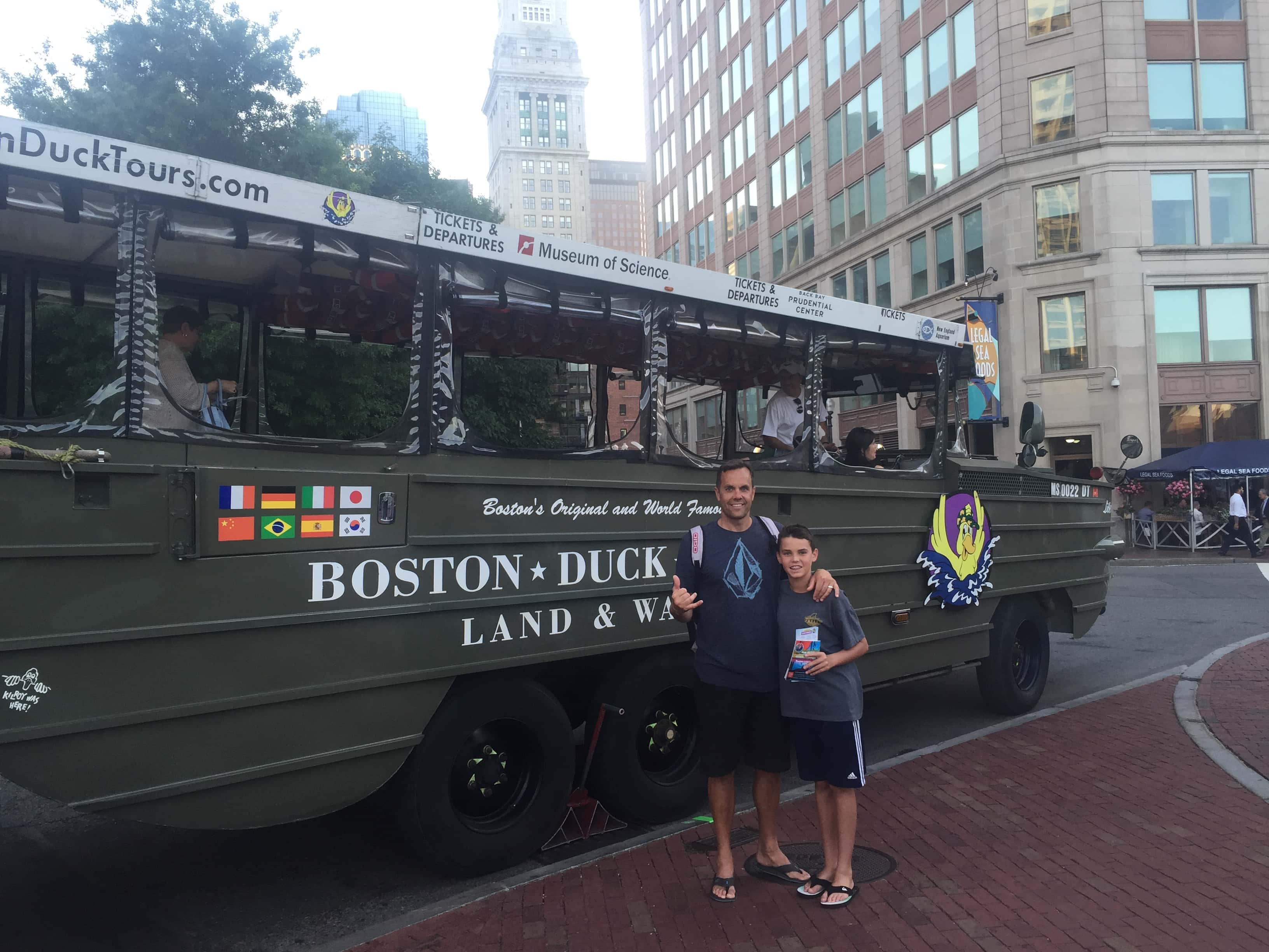 Duck Tour Boston. Best Places to Eat and See in Boston. A list of the best things to do and best places to eat while traveling to Boston. Weather in Boston, transportation in Boston, and entertainment and food in Boston. www.modernhoney.com
