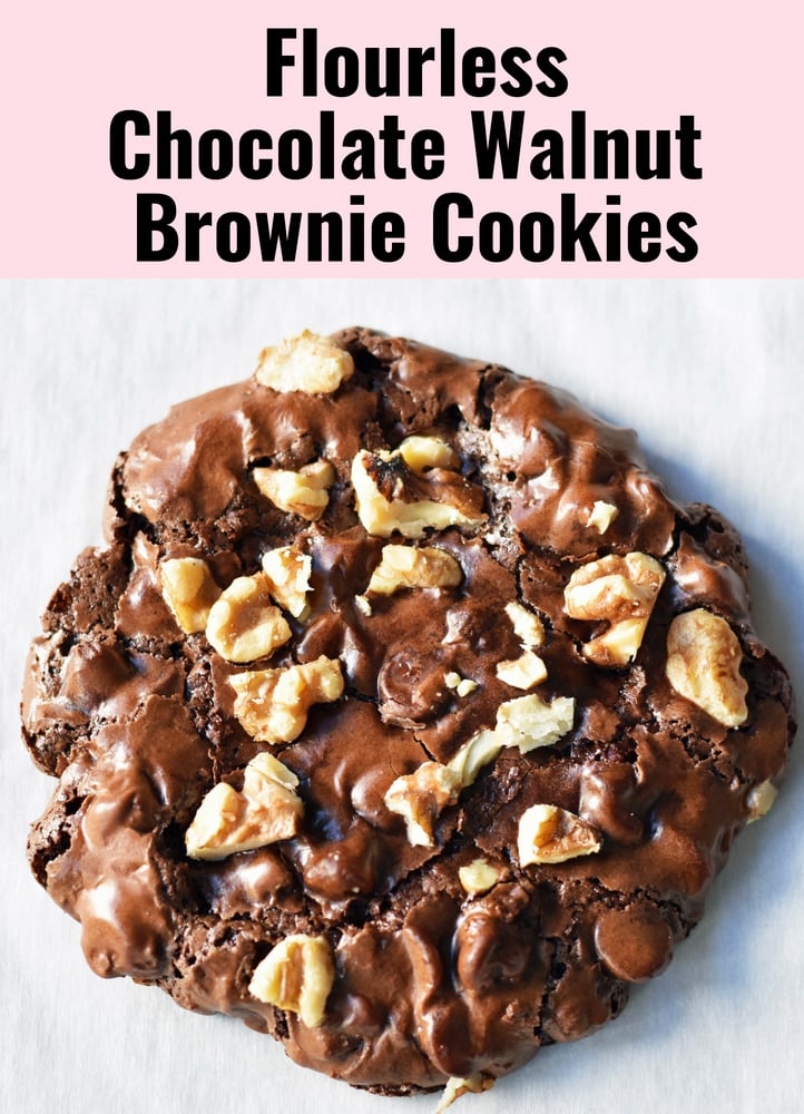 Flourless Chocolate Cookies. Gluten-free chocolate cookies. Cookies made with simple ingredients -- powdered sugar, egg whites, cocoa, chocolate. www.modernhoney.com #flourlesscookies #chocolatecookies #modernhoney