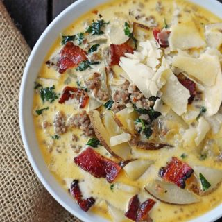 Zuppa Toscana Soup Olive Garden Copycat Recipe. Sausage, Potato, and Bacon Cream Soup. An Italian favorite soup! Popular Olive Garden Copycat Zuppa Toscana Soup Recipe. www.modernhoney.com