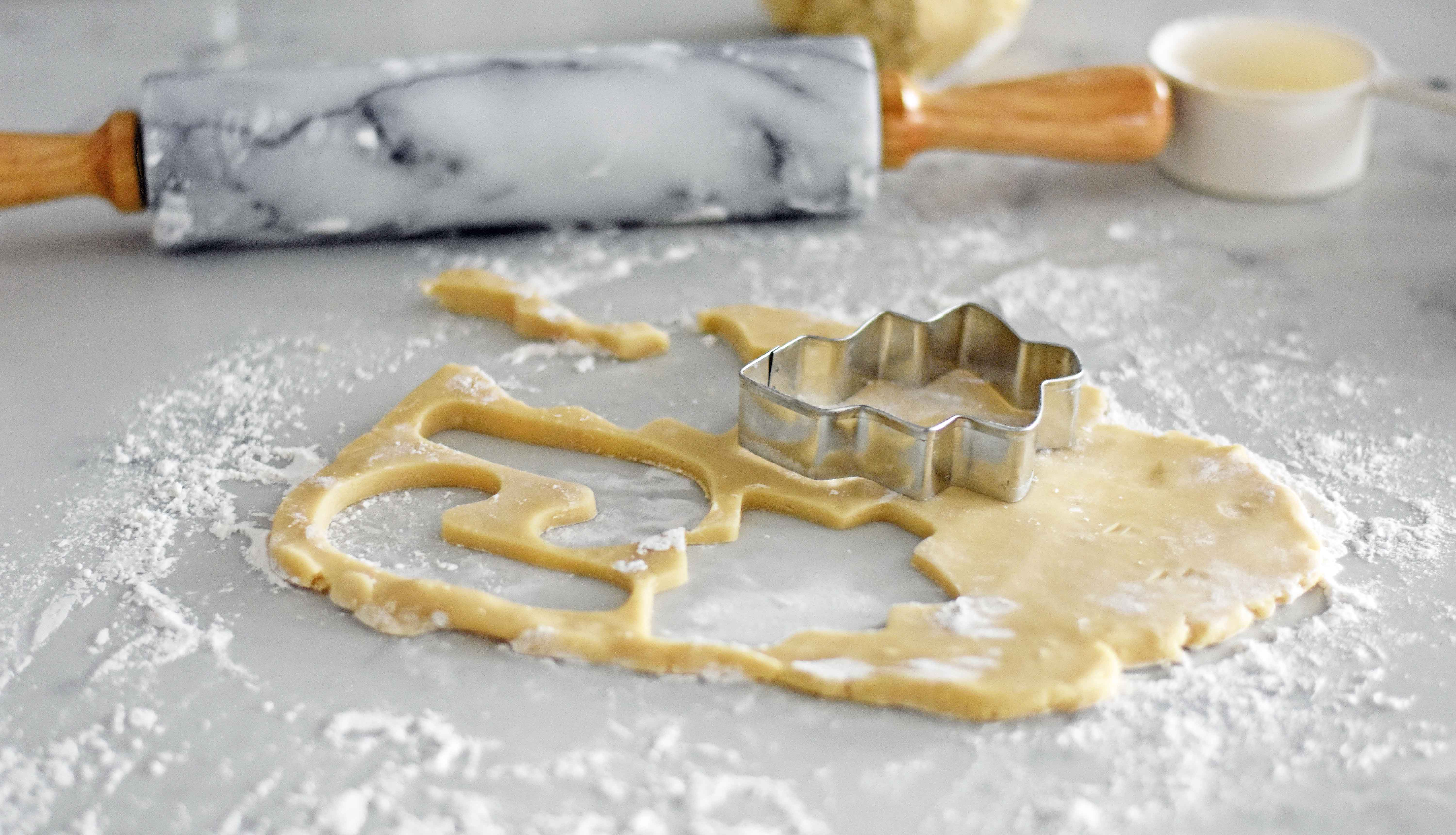 How to make soft chewy shaped sugar cookies. Easy sugar cookies in all sorts of shapes and sizes. www.modernhoney.com