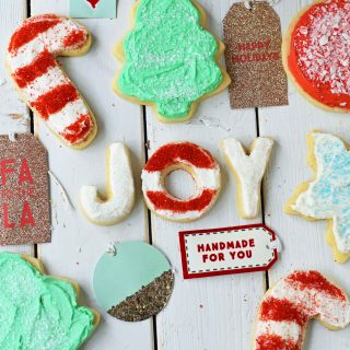 Soft Sugar Christmas Cookies. How to make the best sugar cookies with buttercream frosting. Sugar cookies with secret ingredient. Christmas Sugar Cookies Recipe. www.modernhoney.com
