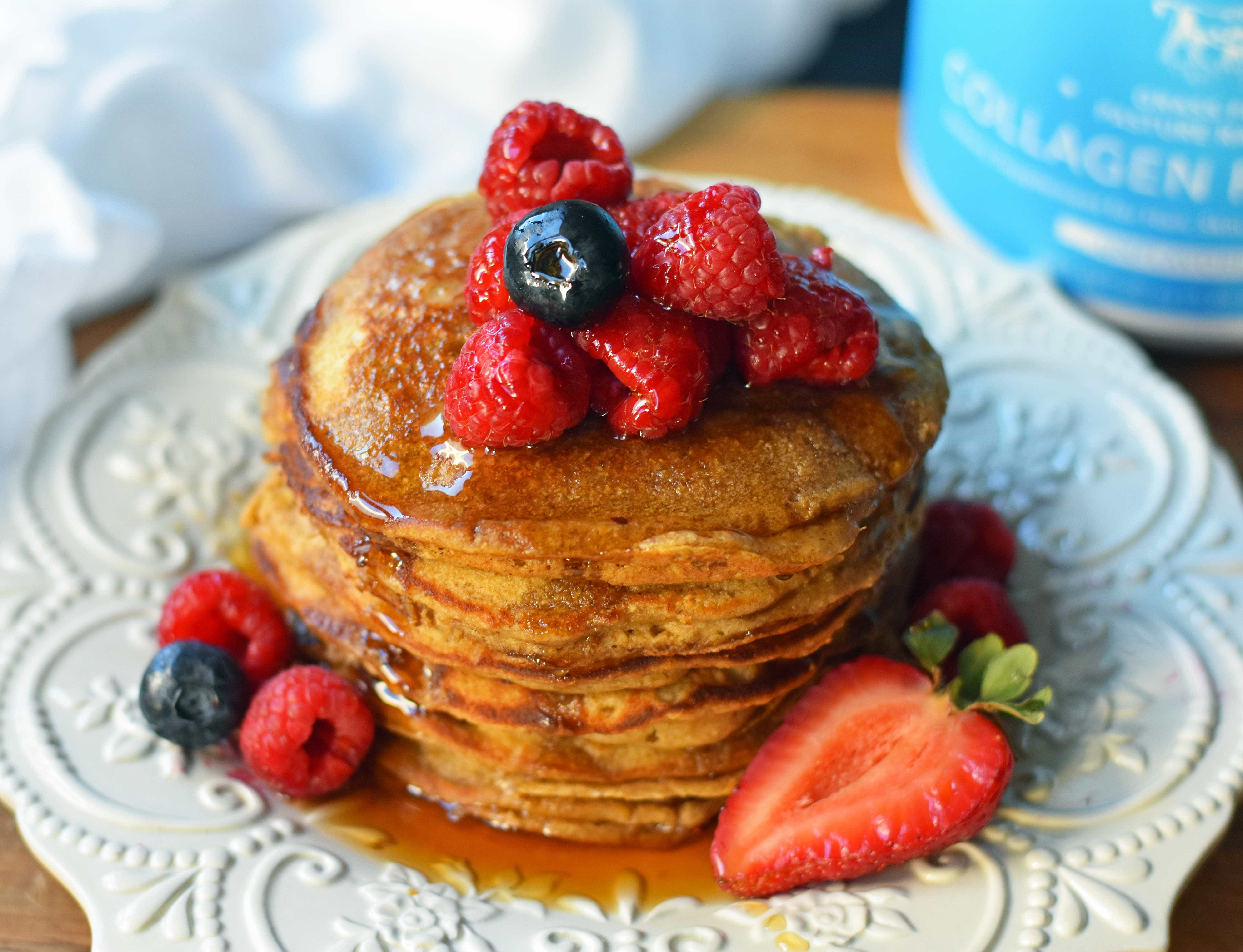 Protein Pancakes Recipe. How to make healthy protein pancakes with collagen. Protein banana pancakes are gluten-free and dairy-free. Gluten-free protein pancakes are so delicious and healthy! www.modernhoney.com