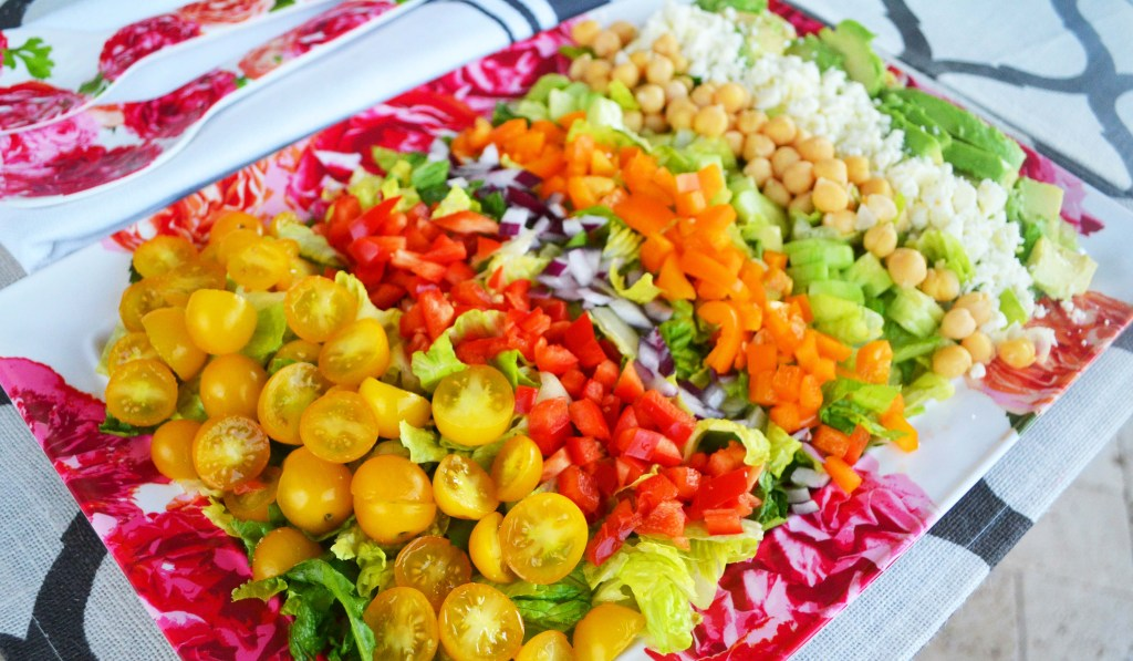 Color Me Pretty Salad. Healthy Greek Salad with vegetables and feta cheese. www.modernhoney.com