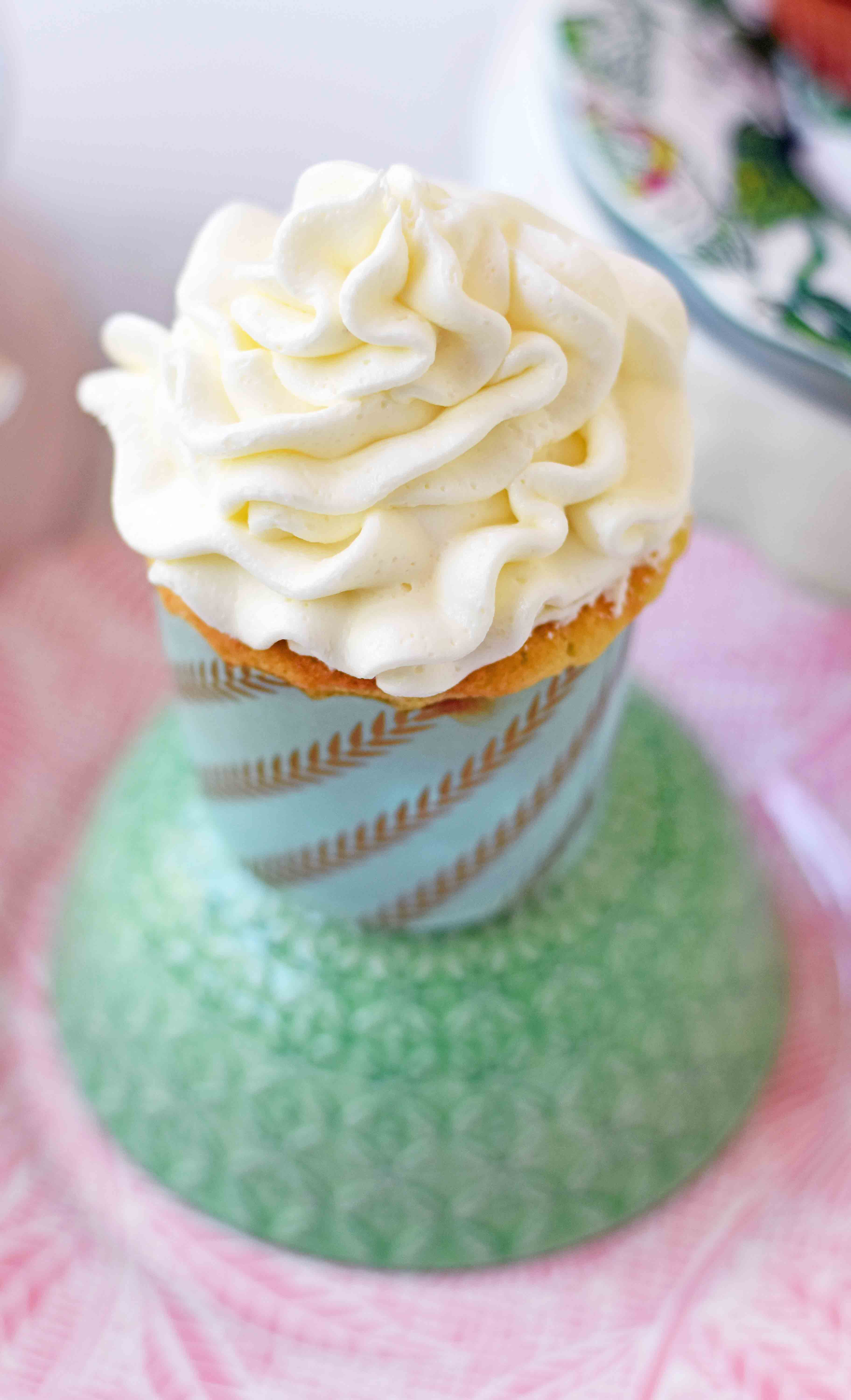 Best Vanilla Cupcakes Recipe. How to make soft and moist vanilla cupcakes. Homemade Vanilla Cupcakes with Vanilla Buttercream Frosting. www.modernhoney.com
