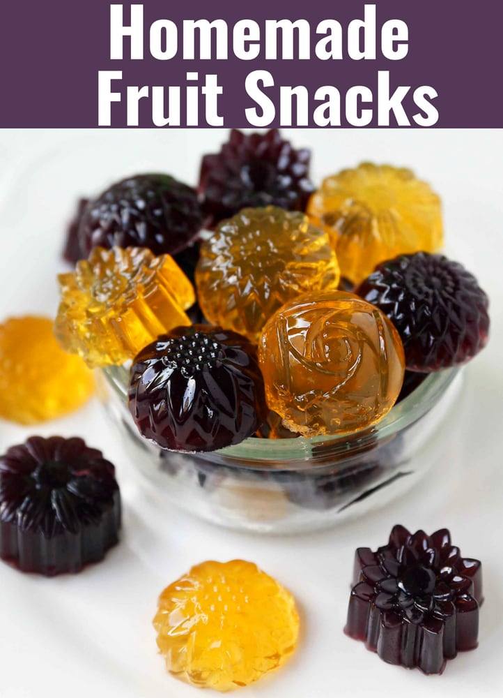 Homemade Gummy Fruit Snacks. Healthy 3-ingredient no-sugar-added gummies. www.modernhoney.com #gummies #fruitsnacks #homemadefruitsnacks #gummybears