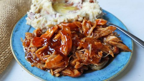Slow Cooker Peach Barbecue Sauce Chicken