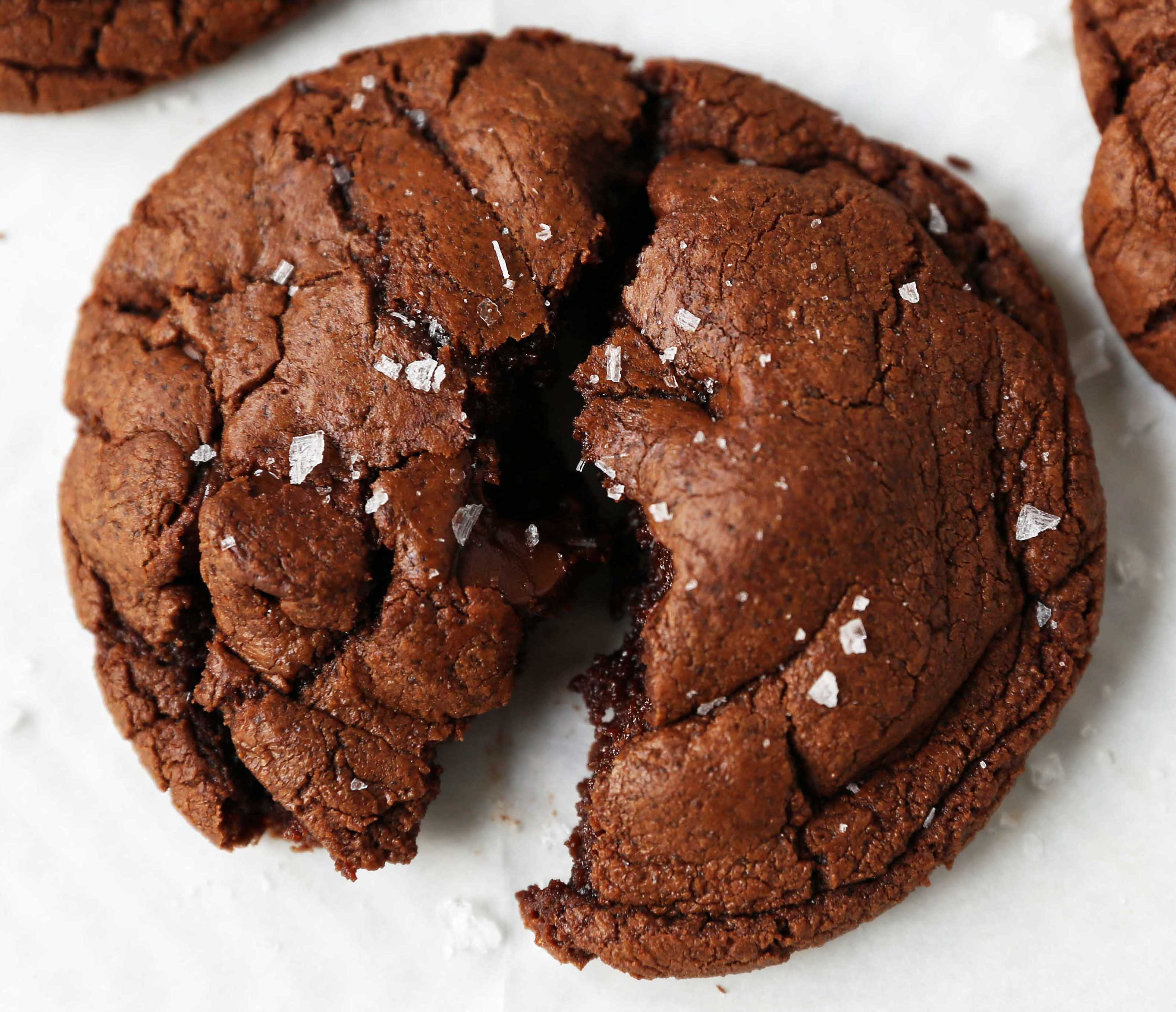 Chocolate Brownie Cookies. Rich, decadent triple chocolate cookies are so decadent. The perfect chocolate brownie cookie recipe! www.modernhoney.com #chocolatebrowniecookies #browniecookies #chocolatecookies