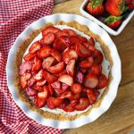 Strawberry Cream Cheese Pie. An easy sweet cream cheese pie with a buttery graham cracker crust and topped with glazed strawberries.The best strawberry pie! #strawberrypie #strawberries #pie #easter #easterdessert #creamcheesepie