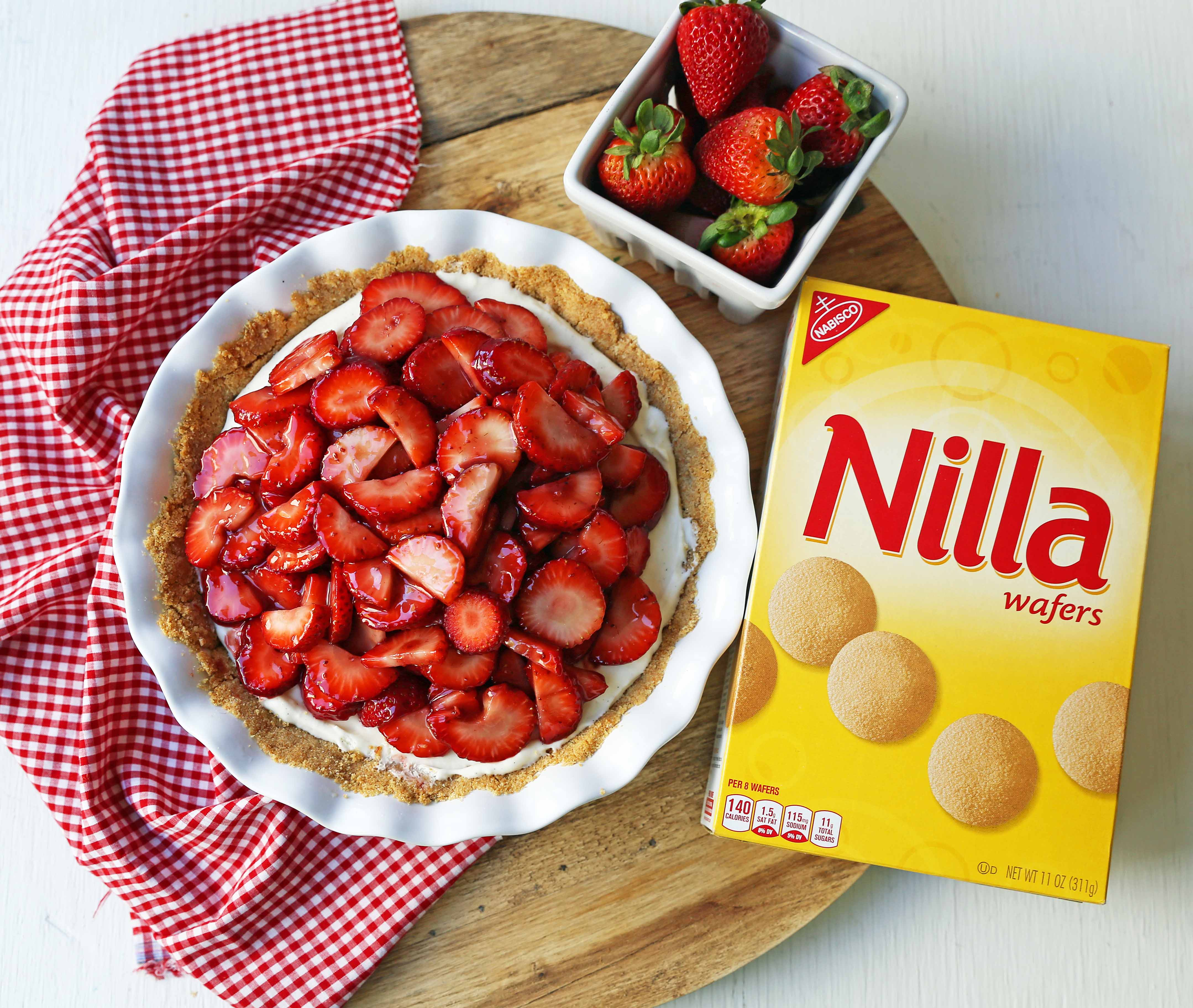 Strawberry Cream Cheese Pie. An easy sweet cream cheese pie with a buttery NILLA Wafer cookie crust and topped with glazed strawberries.The best strawberry pie! #strawberrypie #strawberries #pie #easter #easterdessert #creamcheesepie