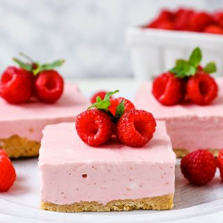 No-Bake Raspberry Cheesecake Squares