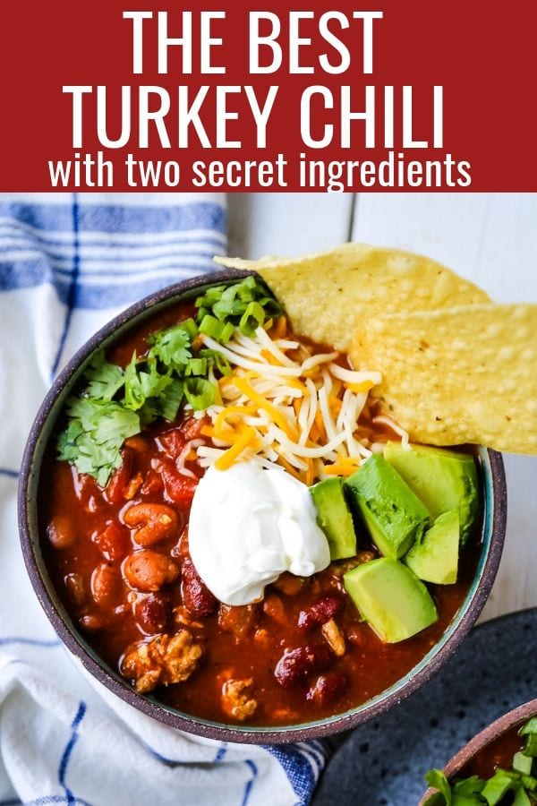 The Best Turkey Chili Recipe Lean Ground Turkey, Seasoned Chili Beans, Tomato sauce, Spices and a few secret ingredients make this the best turkey chili recipe ever! www.modernhoney.com #turkeychili #chilirecipe #fall #fallrecipes