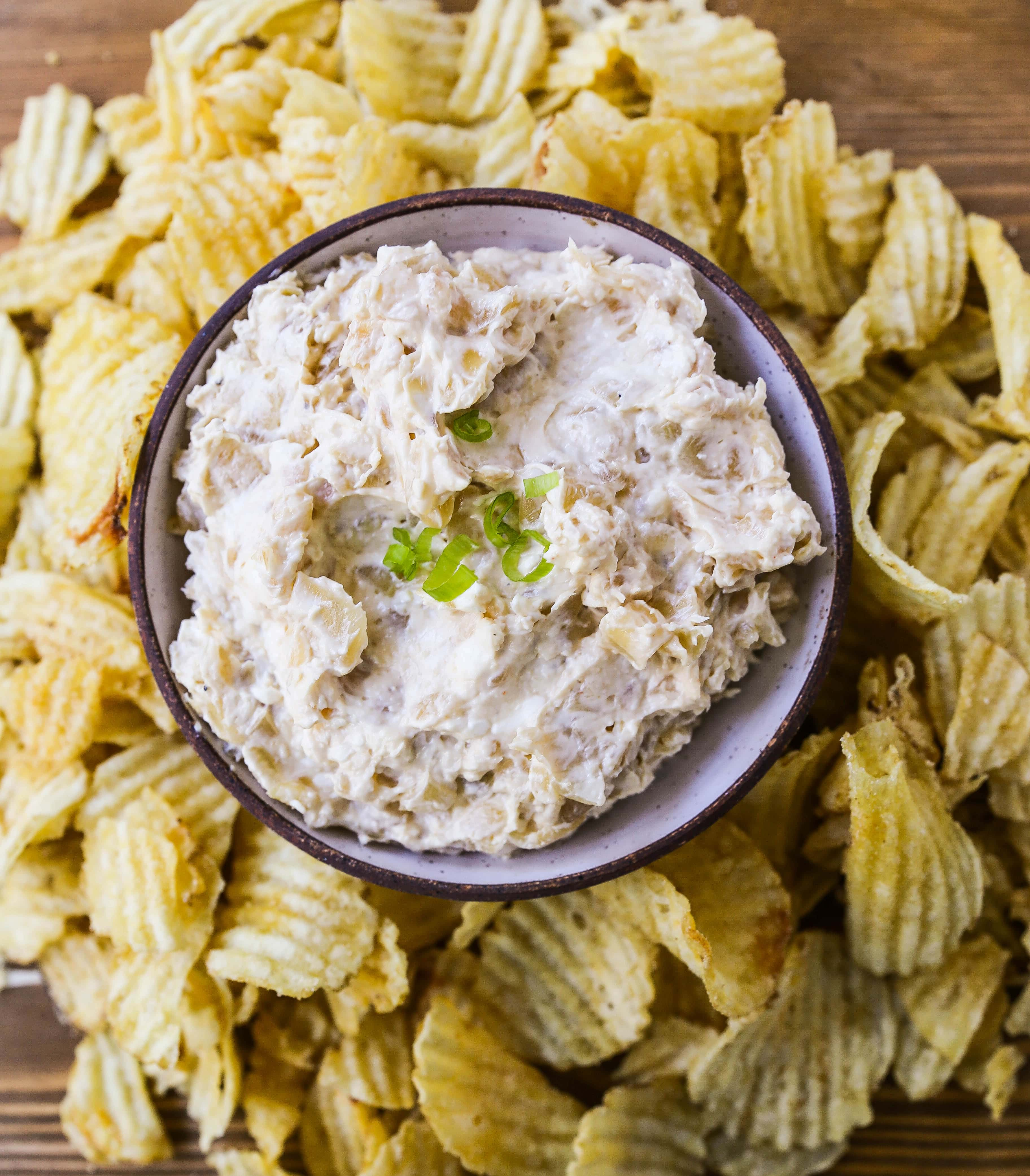 French Onion Dip Recipe The best homemade French onion dip made with caramelized onions, sour cream, mayo, and cream cheese. The perfect French onion dip recipe! www.modernhoney.com #frenchoniondip #frenchonion #dip #diprecipe #dips #appetizer