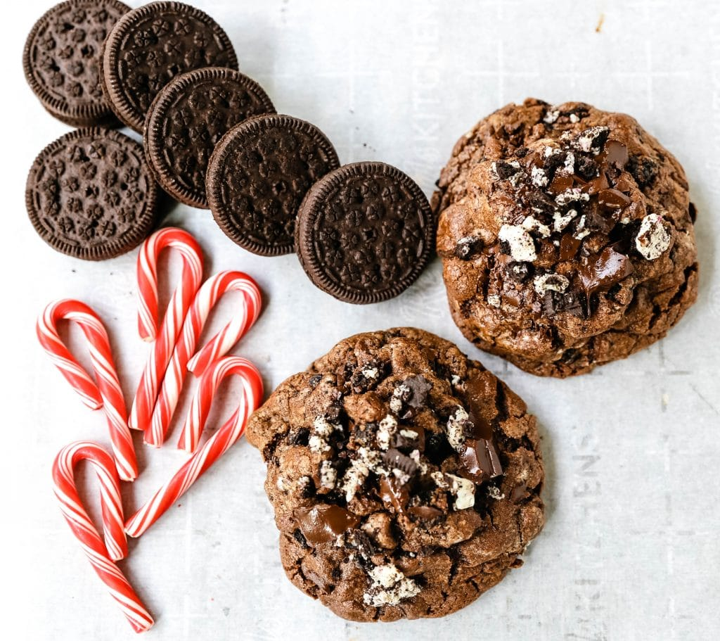 Chocolate Peppermint Candy Cane Oreo Cookies. The best chocolate peppermint cookies. Double chocolate cookies with Trader Joe's famous candy cane Joe Joe's Oreo cookies. www.modernhoney.com #chocolatecookies #chocolatepeppermint #chocolatemint #christmas #christmascookies #candycanes
