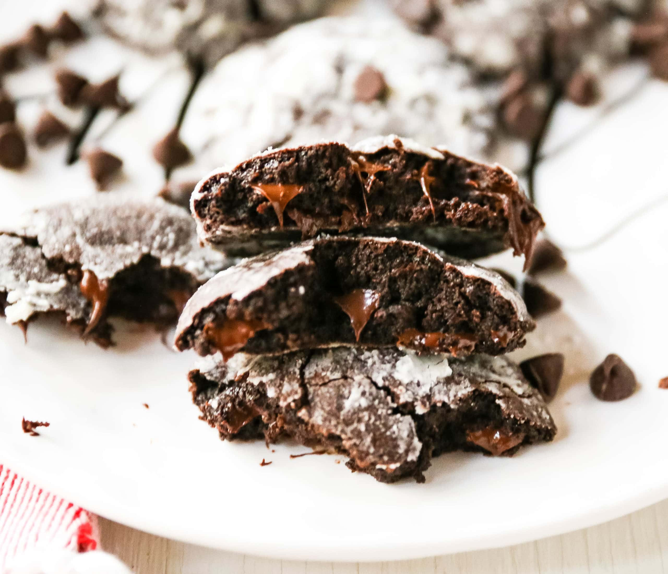 Chocolate Crinkle Cookies Soft, chewy, rich, fudgy chocolate cookies rolled into two types of sugar and baked until the edges crinkle. www.modernhoney.com #chocolatecookies #chocolatecrinklecookies #crinklecookies #christmascookies
