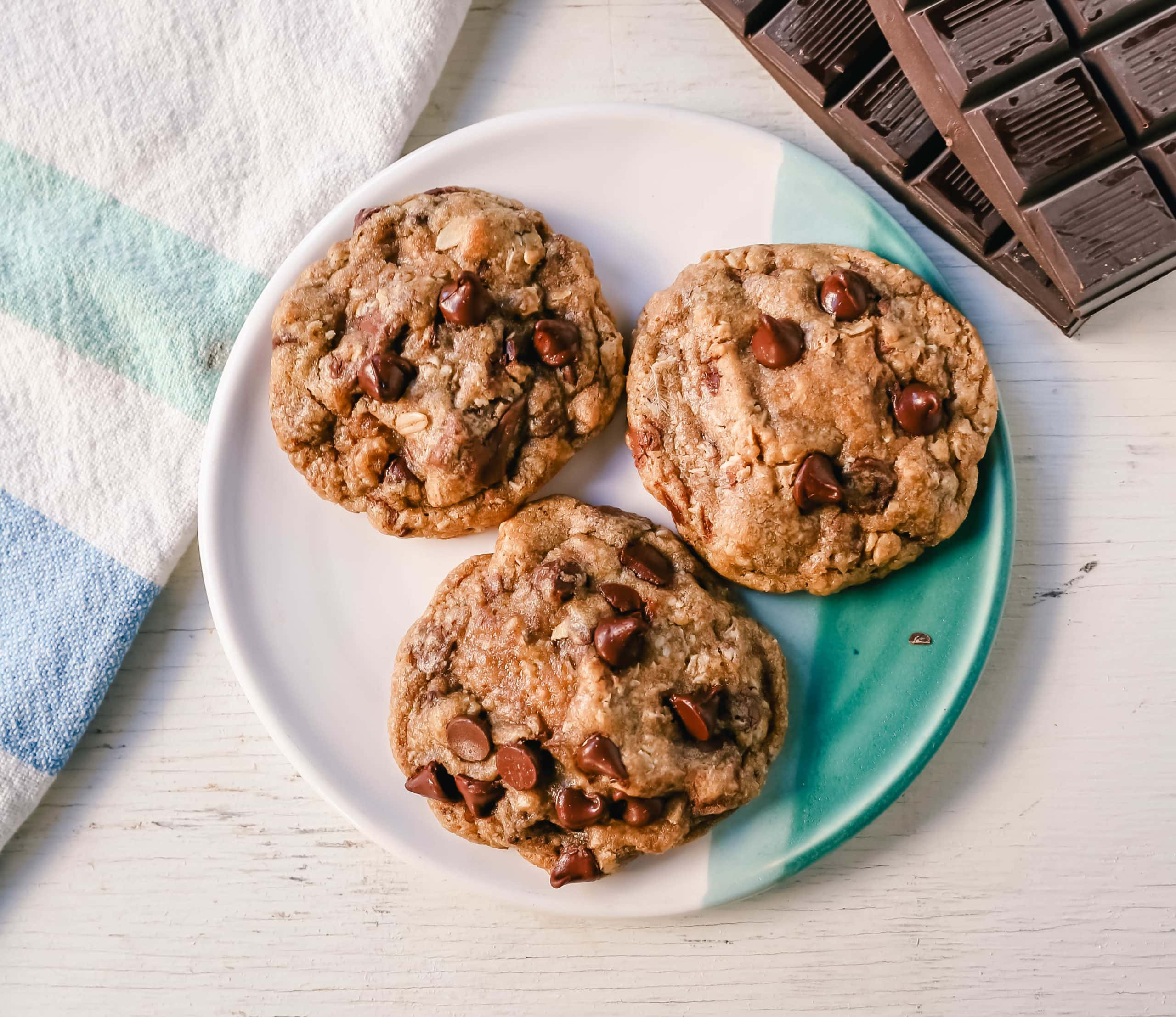 Oatmeal Chocolate Chip Cookies Soft, chewy oatmeal cookies with chocolate chips. The Best Oatmeal Chocolate Chip Cookie recipe! www.modernhoney.com #cookies #oatmealcookies #oatmealchocolatechipcookies