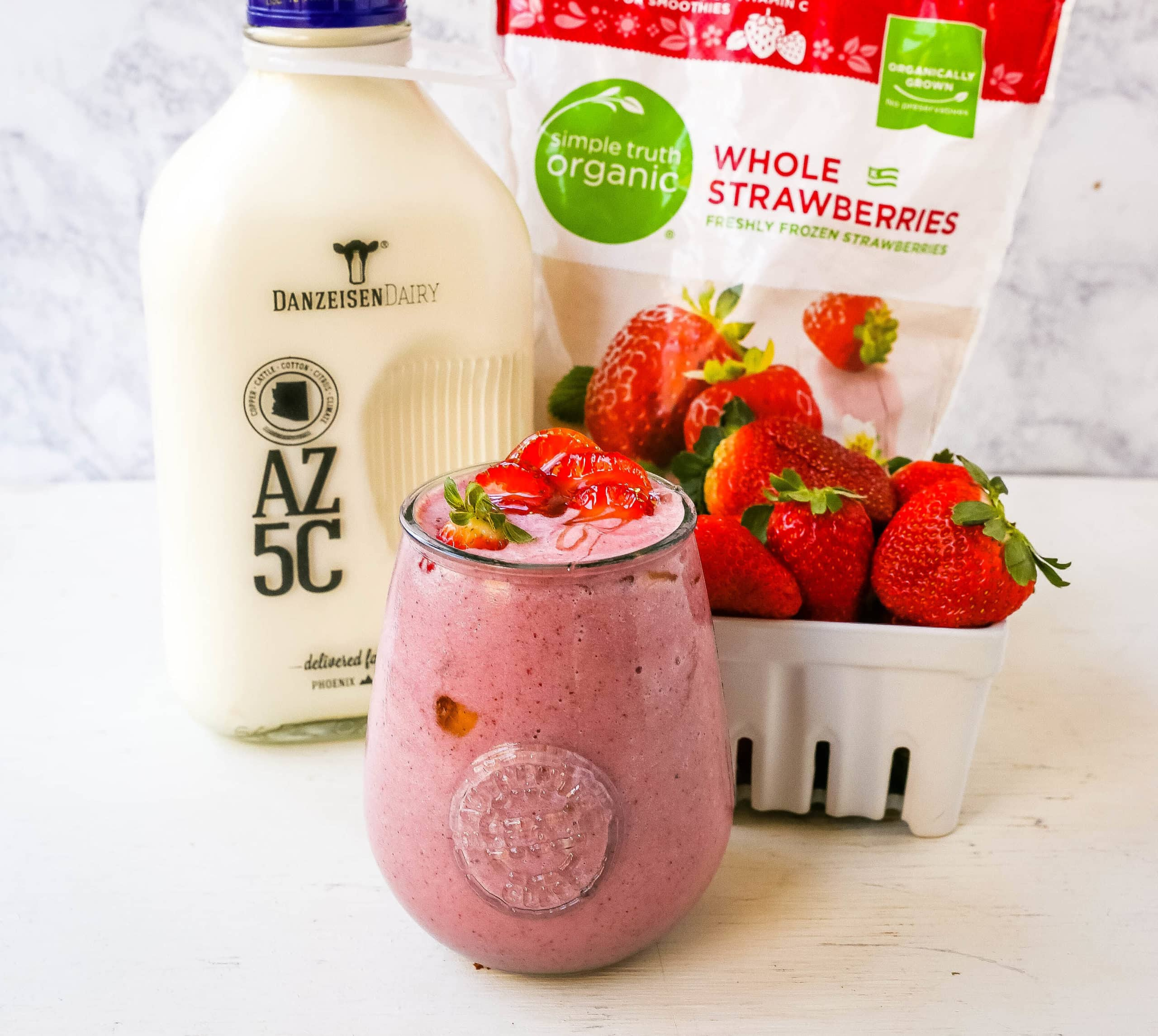 Strawberry Banana Smoothie. Creamy strawberry banana smoothie made with strawberries, bananas, your favorite type of milk, honey, and almond butter (if you want it extra rich and creamy). www.modernhoney.com #smoothie #smoothies #strawberrysmoothie